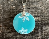 Snowflake White on Blue Broken Pyrex Jewelry Pendant with Stainless Steel Necklace