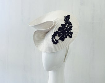 MARGOT:  white hatinator / fascinator - races, special events