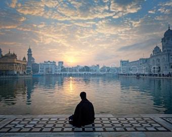 India Photography, Sikh Warrior Meditating, Golden Temple, Amritsar, Holy Lake, Sikh Photo, Sikhism, Yoga Wall Art, India Fine Art Print