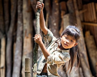 Vietnamese Village Girl Photo, Asian Girl Photography, Vietnam Photography, Girl Images, Girl Pictures, Vietnam Wall Art, Vertical Wall Art