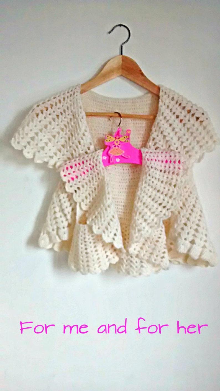 Scialle bianco Uncinetto. Bolero in alpaca lana vergine. Gilet  c59aaa733688