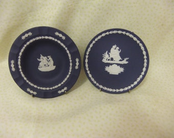 Two Pieces of Vintage Dark Blue Jasperware
