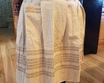Vintage apron. Retro apron. Half apron.