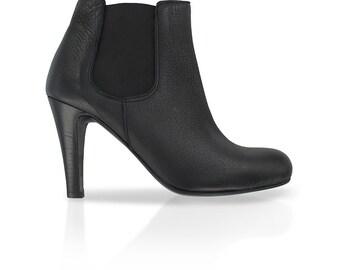 69f4b9f88ad816 Chelsea boots en cuir noir , bottines à élastique noires , bottines chelsea  femme, Chaussures italiennes, bottines à talon, Nicolas