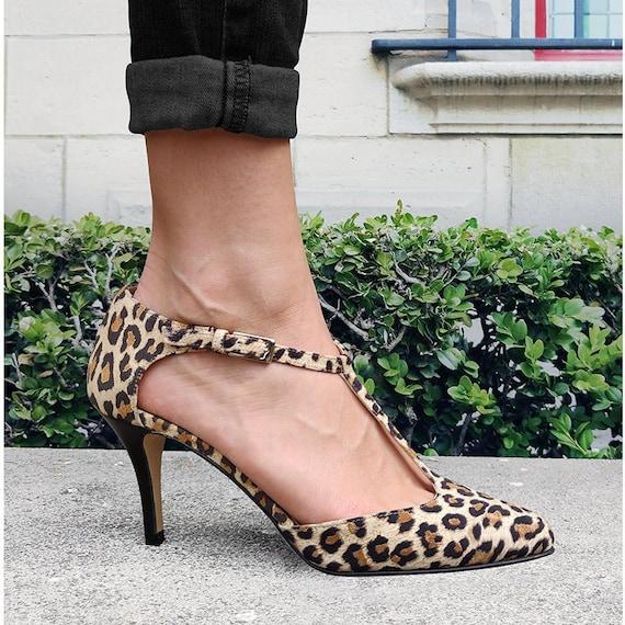 womens leopard print pumps