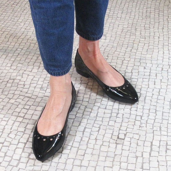 Black leather pointed toe flats black