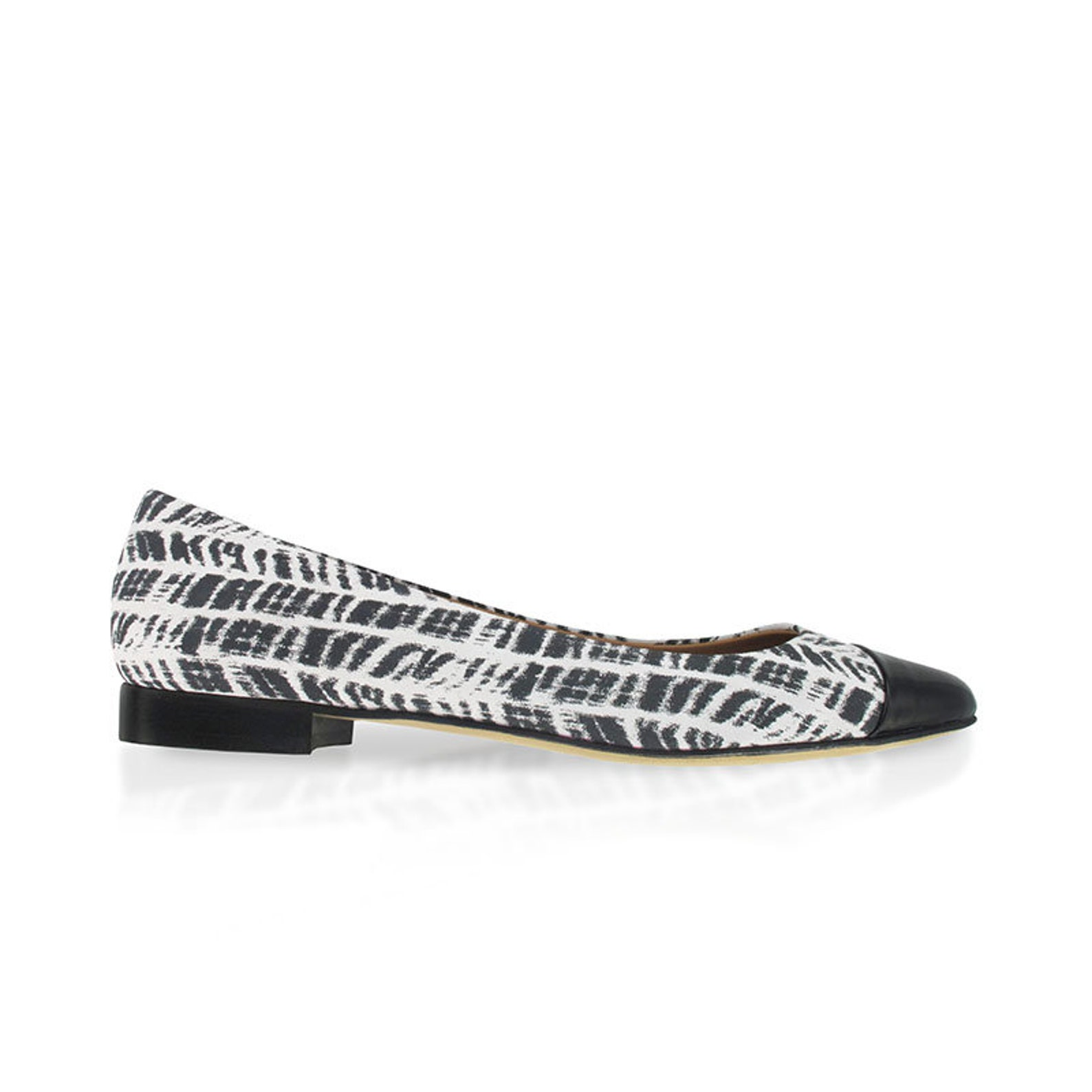black and white leather pointy flats, zebra print leather flats, pointed toe ballet flats, women leather pointy flats, handmade