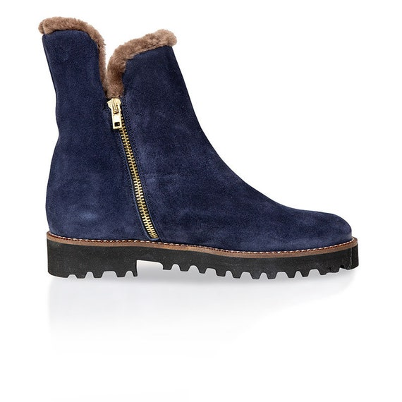 Sheepskin lined ankle boots navy blue