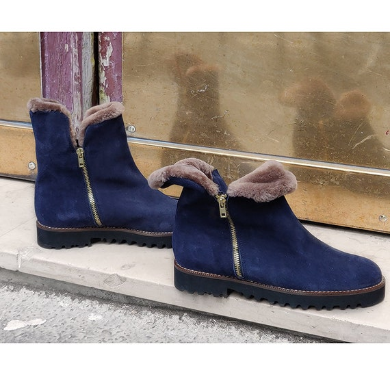 http://www.awin1.com/cread.php?awinaffid=521449&awinmid=7432&p=httpswww.etsy.comfrlisting658610253bottines-fourrees-bleu-marine-bootsga_ordermost_relevantga_search_typeallga_view_typegalleryga_search_querybottesfourrC3A9esrefsr_gallery-3-3organic_search_click1frs1
