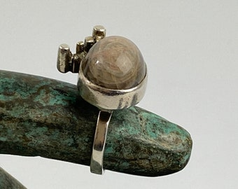 Modernist cocktail silver ring by Danish silversmith John Victor Rorvig, Scandinavian Mid Century Modern Jewelry