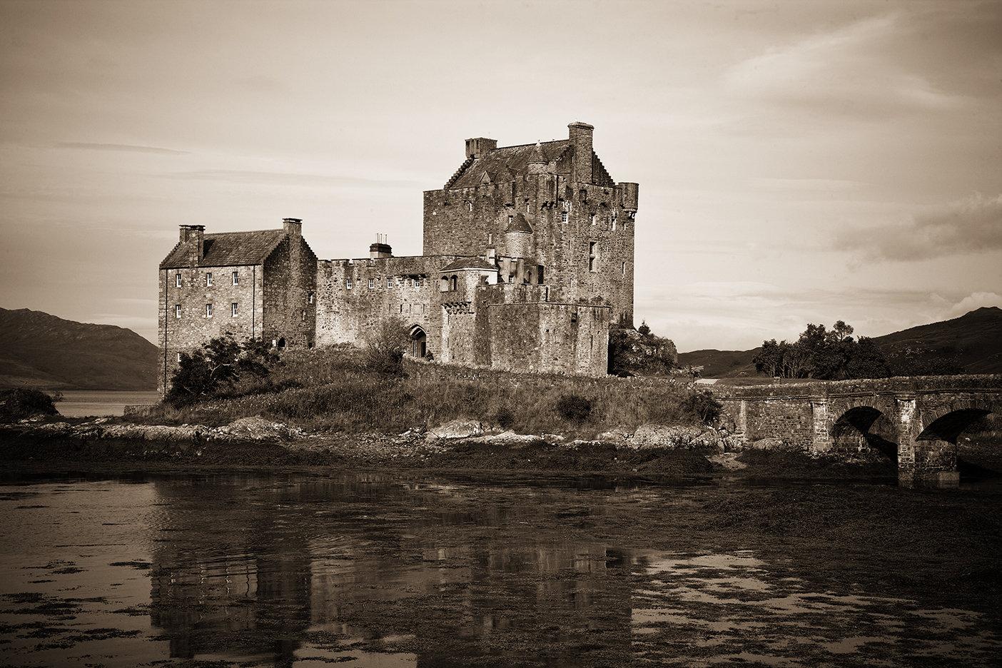 8x10 Fine art Giclee print by Erika masterson Edinburgh Castle Scotland