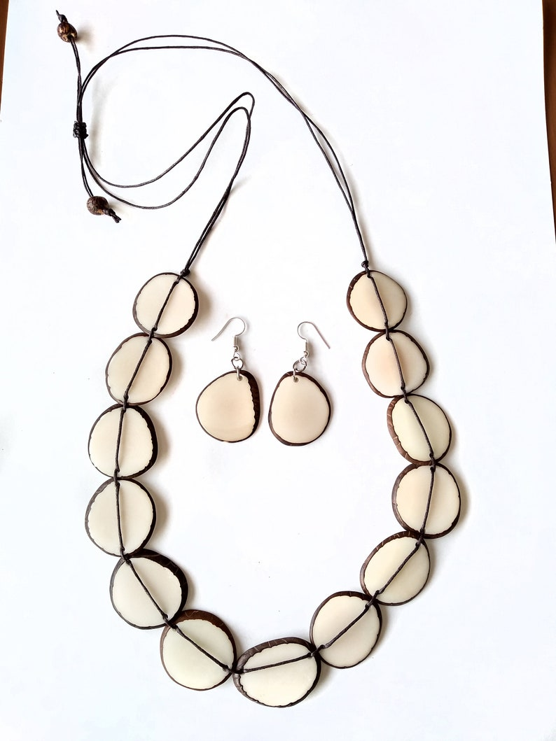 WHITE TAGUA JEWELRY  Tagua nut necklaces, Handmade necklaces, White  necklaces, Colombian necklaces, Selling jewelry wholesale, Fair trade