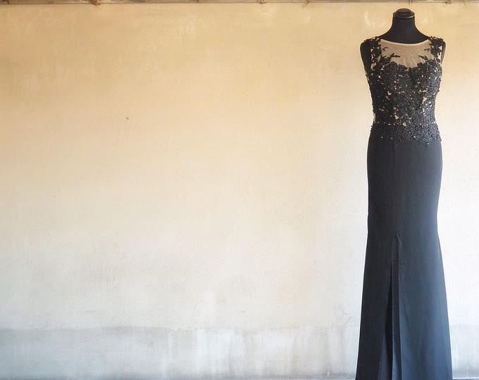 Featured listing image: Vintage Evening Dress. Lace on Veil