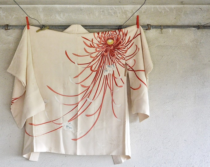 Featured listing image: Silk Japanese Kimono Haori Jacket Chrysanthemum
