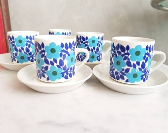 Arabia Finland Ahmet Coffee Cup with Saucer. Designed by Raija Uosikkinen at 1960s