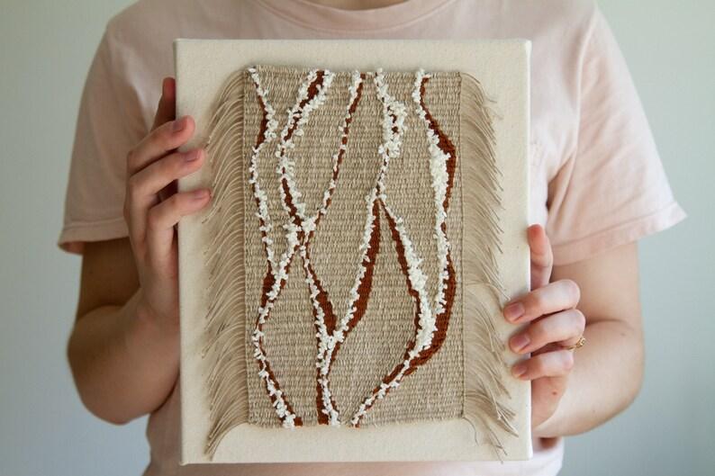 5c00c1cfa3 Art textile tissé à la main mur suspendu encadrée de | Etsy