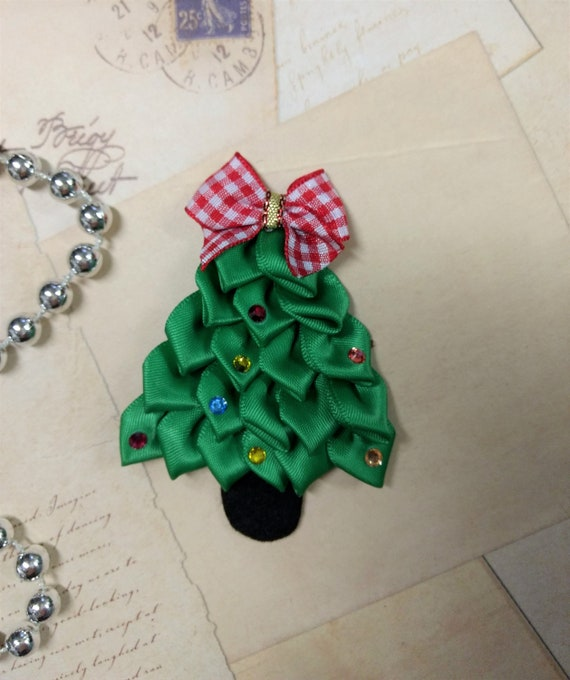 Christmas Tree Ribbon Sculpture Christmas Tree Pin Magnet Christmas Decor Holiday Decoration Christmas Favors Fridge Magnets Office Magnets
