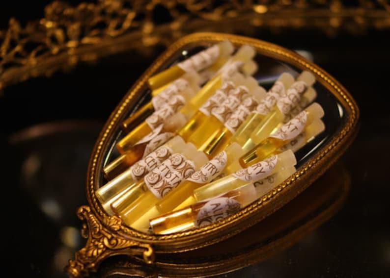 Natural Perfume Samples   Essential Oil Perfume   botanical image 0