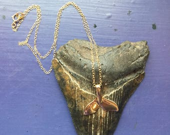 Whale Tail Dainty Chain Necklace