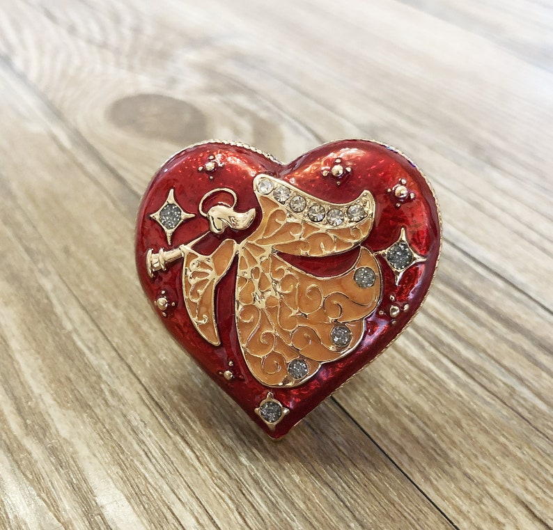 Enamel Angel of love drawer knobs  Loving Angel cabinet  Gothic Home Decor  Furniture Hardware,Z-262