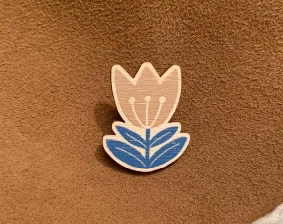 Scandi Flower Wooden Pin Brooch