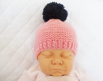 Bonnet en laine rose avec gros pompon pour bébé de 0 1 mois 028a922d380