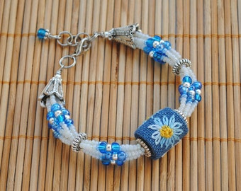 Flower bracelet white blue beaded bracelet embroidered jewelry gift for her gifts for daughter dainty bracelet daisy nature jewelry handmade