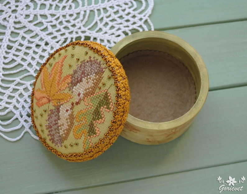 Cute Hedgehogs embroidered box Storage jewelry Wood box Romantic gift for women Keepsake box Hand cross stitch Hedgehog gift for girlfriend