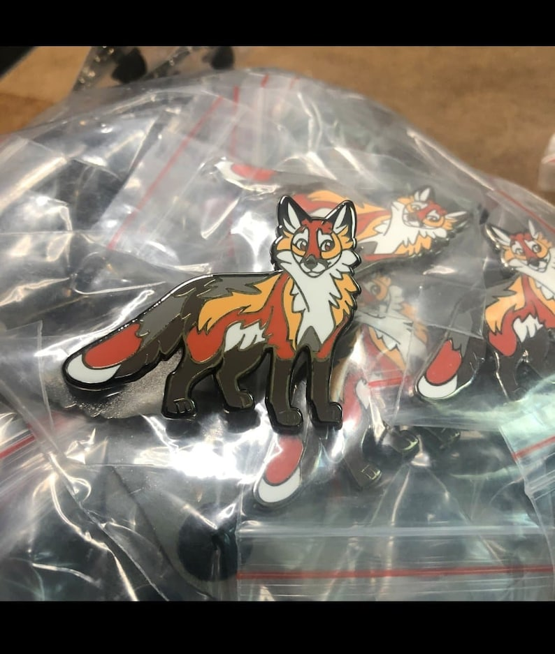 Red Fox Pin
