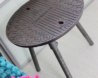 Jeremy Reclaimed Manhole Cover Side Table with 3 Splayed Dark Steel Legs and Bright Viridian Underside - www.urbangrain.co.uk