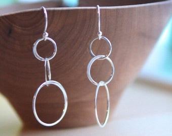 18fecfac6 Three Circle Earring, Interlocking Rings, Infinity Earrings, 3 Circles,  Sterling Silver, Minimal Simple Silver, Three Generation, Eternity