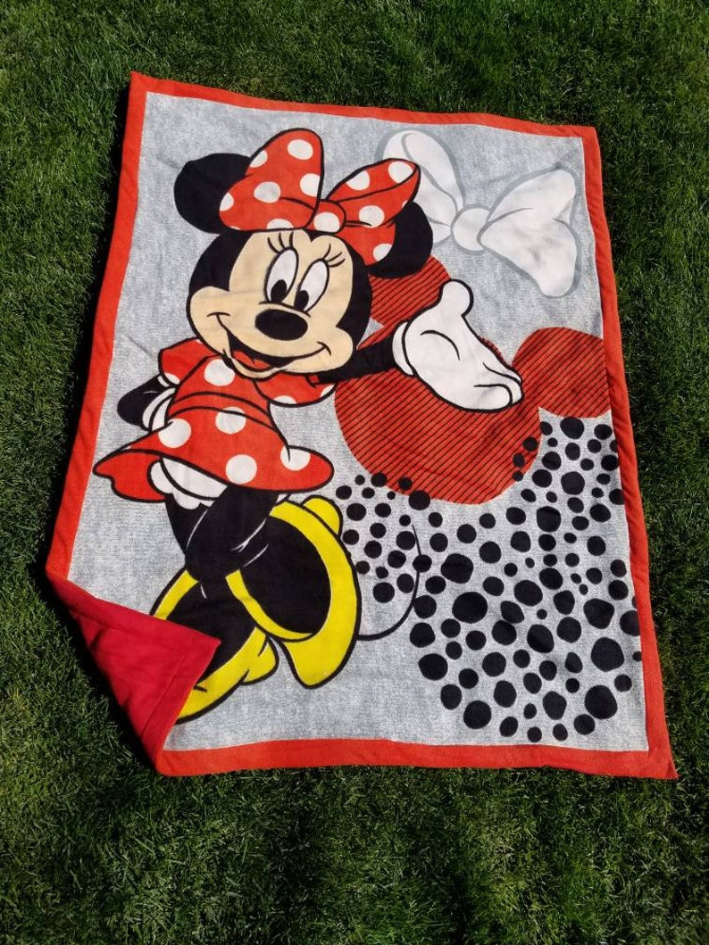 Minnie Mouse Licensed Sewn Fleece Blanket Minnie Blanket image 0