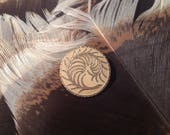 Vintage Enamel Button. Feather. Cream.