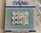 Little Mother of Pearl Buttons. Vintage La Mode Card. 1930s