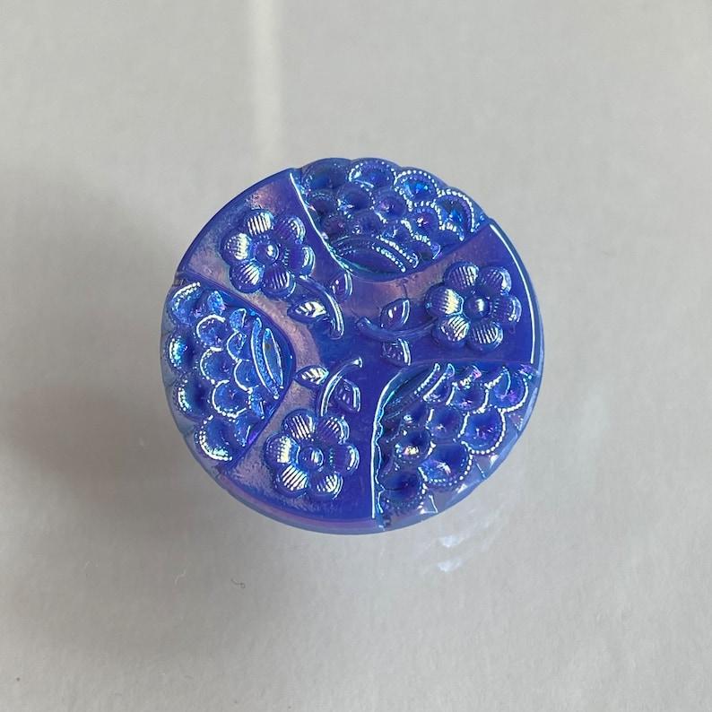 Vintage Blue Aurora Glass Button. Flowers. Trefoil. image 0