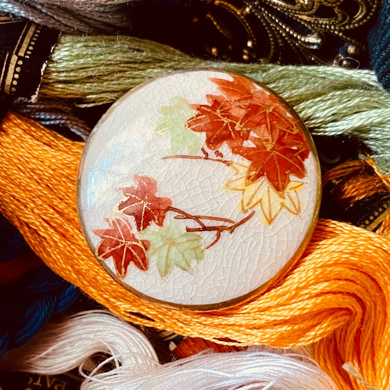 Vintage Satsuma Leaves Button. Japanese Maple. Hand painted. image 0