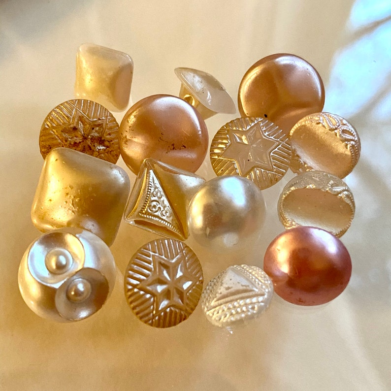 Bunch of 15 Vintage Pearlized Glass Buttons. Babies. Assorted. image 0