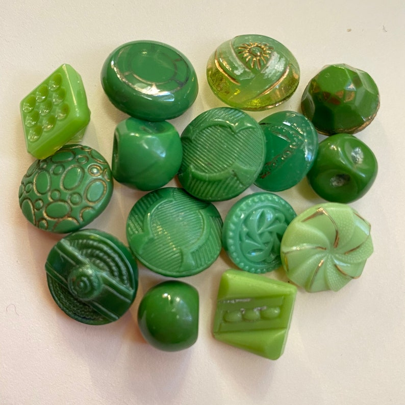 15 Vintage Green Glass Buttons. Instant Collection. Jewellery image 0