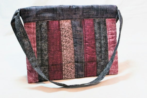 Grays and Pinks Multiple Pocket Hobo Style Quilted Purse