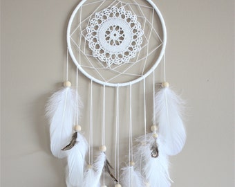 Small White Dreamcatcher-Simple Dream Catcher-Boho Chic Decor-Feather Wall Hanging-Doily Dreamcatcher-Bohemian Decor-Handmade Gift