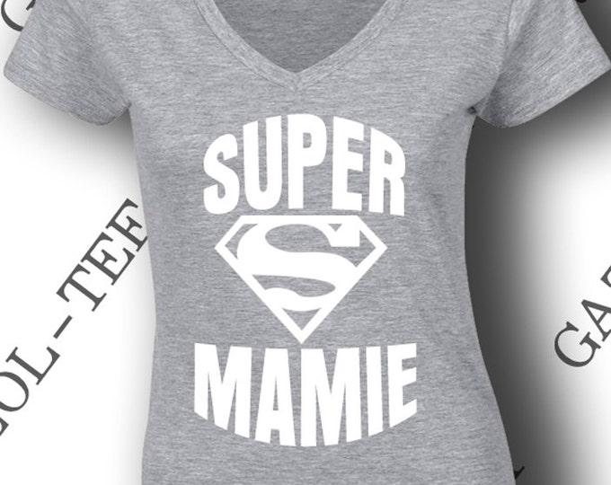 """Tee-shirt """"SUPER MAMIE"""" idée cadeau pour super mamie! Un t-shirt avec un imprimé  trop stylé !"""
