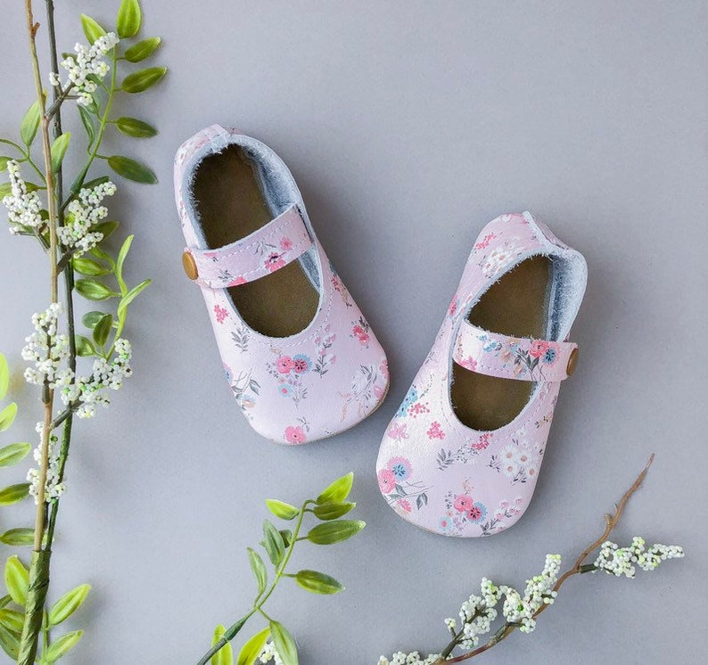 bb5370957ce18 Pink Floral Baby Janes - Genuine Leather Toddler Shoes - Pink Baby  Moccasins - Flower Baby Outfit