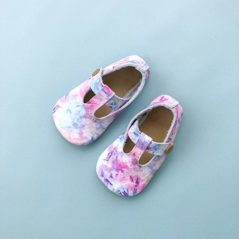 c6fbff5154959 Tie Dye Tstraps - Tie Dye Baby Moccasins - Maryjanes - Leather Toddler  Shoes - Soft Sole Moccs - Rainbow Baby