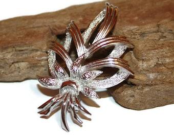 Vintage Floral Brooch, Shiny Silver Brooch, Mid-Century Brooch, Mid-Century Jewelry, Classic Jewelry, Fancy Brooch, Beautiful Jewelry