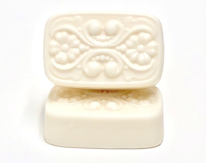 White Tea + Bergamot   shea butter soap   phthalates - detergent and paraben Free   The Graceful Rabbit