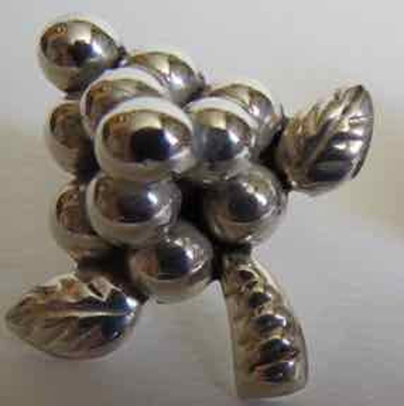 Fabulous vintage sterling silver screw back earrings with grapes on vine