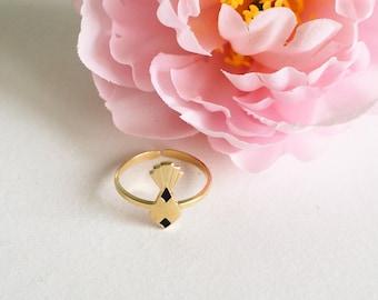 Retro pineapple ring