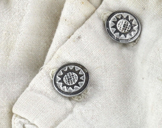 Sunflower button made of Pewter, Hand made  in USA