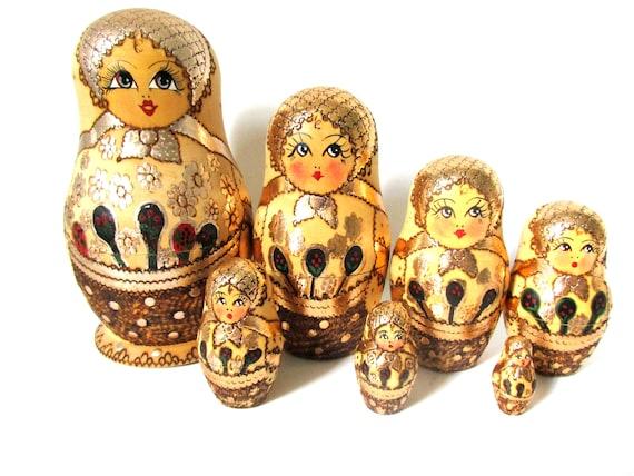 "Babushka Russia Folk Doll FREE US Shipping Russian Nesting Dolls 7 pc 8/"" Wood"