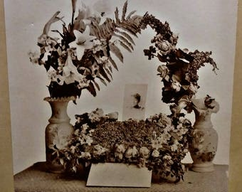 Large Funeral Mourning Wreath Photo